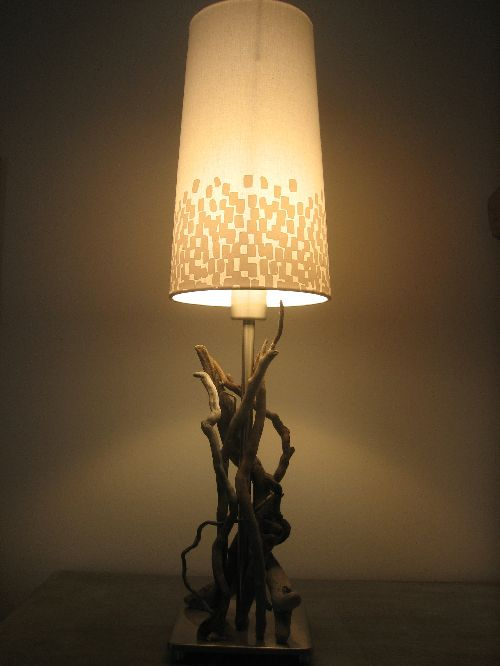 lampe en bois flott lampes et guirlandes. Black Bedroom Furniture Sets. Home Design Ideas