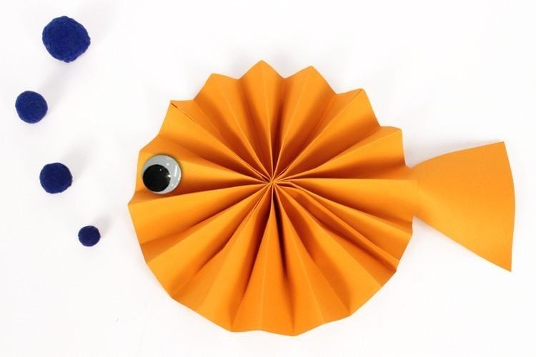 poisson en papier activit s enfantines 10 doigts. Black Bedroom Furniture Sets. Home Design Ideas