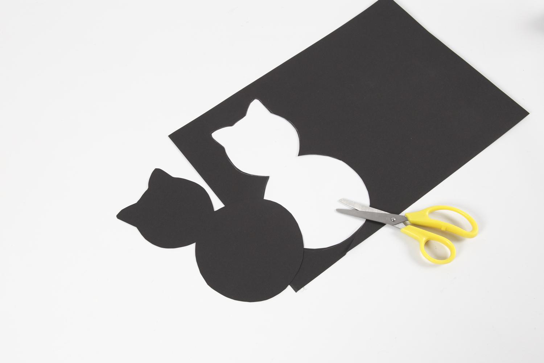 Découpage de la silhouette chat
