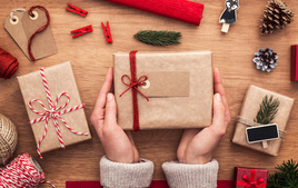 J'emballe mes cadeaux - Activités de Noël - 10doigts.fr