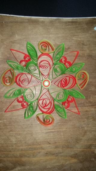Quilling étoile verte et rouge - Quilling - 10doigts.fr