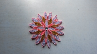 Quilling étoile rose - Quilling - 10doigts.fr