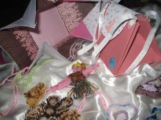lot de petits sac en carton pour Sterenn et Auregan - Perles, bracelets, colliers - 10doigts.fr