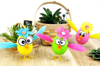 Activité avec des oeufs de Pâques : les poussins rigolos - Pâques - 10doigts.fr