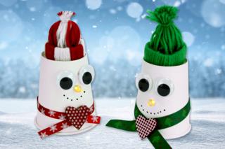 Bonhomme de neige lumineux avec bonnet en laine - Noël - 10doigts.fr