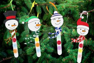 Bonhomme de neige avec des bâtons de glace - Noël - 10doigts.fr