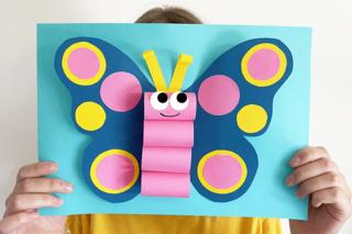 Papillon 3D en papier - Activités enfantines - 10doigts.fr
