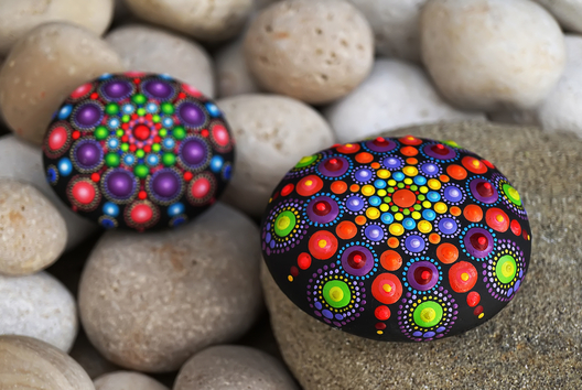 Dot Painting sur galets - Nature - 10doigts.fr