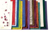 Feuilles de papiers naturels assortis - 18 feuilles - Papier artisanal naturel - 10doigts.fr