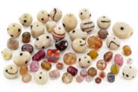 Perles artisanales indiennes en verre Rose Saumon - Perles en verre et acrylique - 10doigts.fr