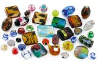 Perles artisanales bigarées en verre - set de 45 - Perles en verre - 10doigts.fr