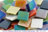 Set de 50 mosaïques en pâte de verre, 10 couleurs irisées assorties - Mosaïques pâte de verre - 10doigts.fr