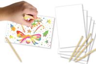 Cartes à gratter  blanches fond multicolore + grattoirs - 5 cartes - Cartes à gratter - 10doigts.fr