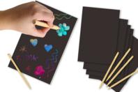 Carte à gratter noire fond multicolore + grattoir - Cartes à gratter - 10doigts.fr