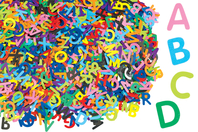 Lettres majuscules en carte forte - Set de 2600 - Décorations en papier - 10doigts.fr