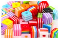 Perles cubes bayadère en acrylique - Set de 50 - Perles acrylique - 10doigts.fr