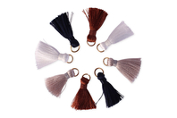 Pompons avec anneaux, couleurs Nature - 8 pièces - Perles intercalaires & charm's - 10doigts.fr