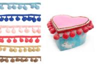 Galons à pompons colorés - Décorations à coller - 10doigts.fr