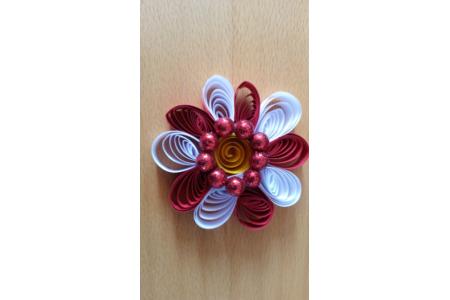 Quilling rouge et blanc avec perles - Quilling - 10doigts.fr