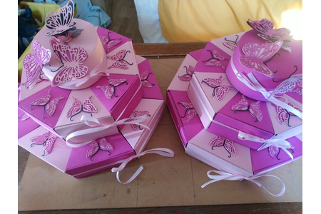 gâteau pour anniversaire à l'école:17 boites/gâteau - Fêtes, déguisements - 10doigts.fr