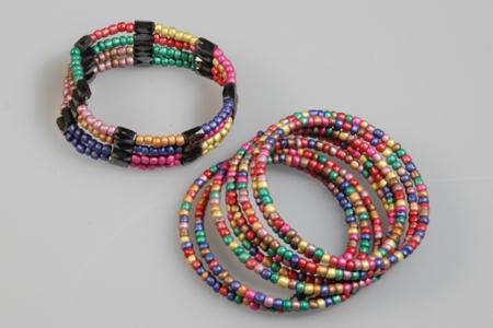 Grosses perles de rocaille opaques - set de 4000 - Perles de rocaille – 10doigts.fr