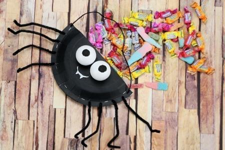 Panier à bonbons Araignée - Halloween – 10doigts.fr