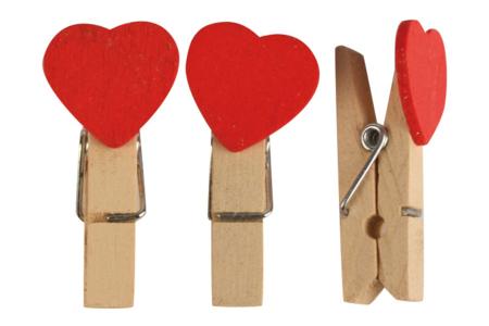 Pinces cœurs rouges - 12 pièces - Pinces à linge fantaisie – 10doigts.fr