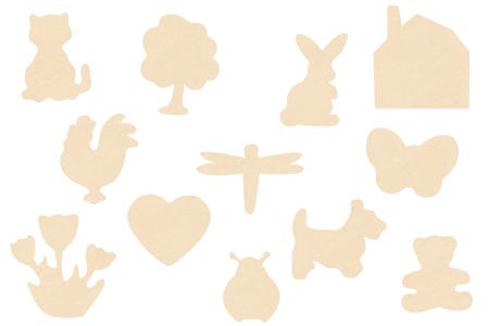Motifs assortis en bois naturel - Set de 12 - Motifs brut – 10doigts.fr