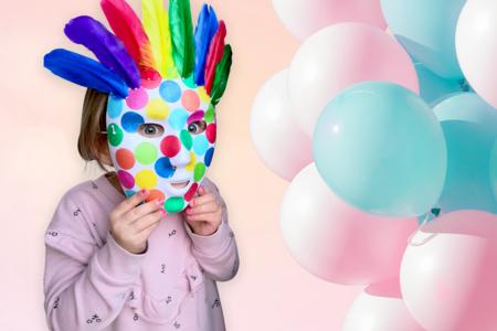 Masque carnaval confettis et plumes - Carnaval, fêtes, masques – 10doigts.fr
