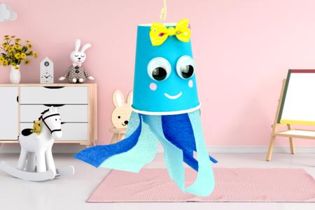 Fabriquer une jolie méduse avec un gobelet et du papier crépon - Activités enfantines – 10doigts.fr