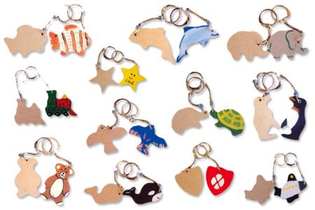 Porte-clefs animaux assortis, en bois naturel à décorer... - Activités enfantines – 10doigts.fr