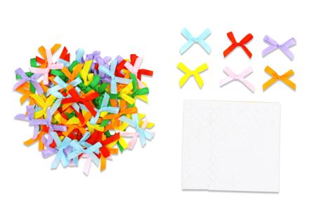 Nœuds ruban multicolores - 100 Pièces - Rubans et ficelles – 10doigts.fr
