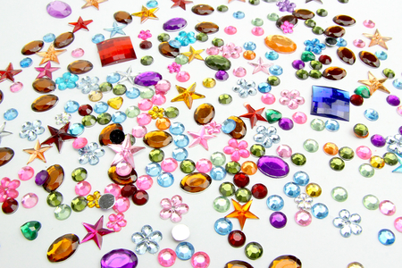 Strass formes assorties - 300 pièces - Strass – 10doigts.fr