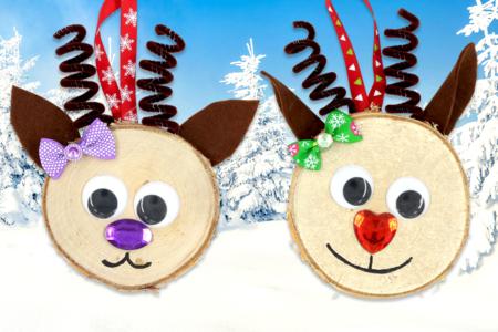 Suspension renne de Noël avec une tranche de bois - Noël – 10doigts.fr