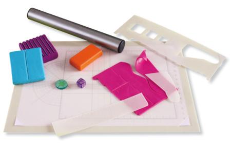 Tapis pour modelage + 3 accessoires - Outils pour Fimo – 10doigts.fr