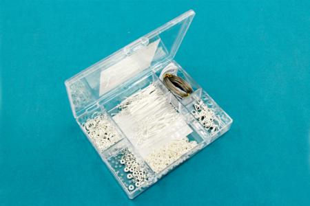 Valisette d'apprêts pour bijoux argentés - 400 pièces - Anneaux simples ou doubles, ronds ou ovales – 10doigts.fr