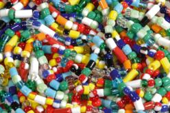 Perles de rocailles rondes et tubes, couleurs assorties - Set de 660 - Perles de rocaille – 10doigts.fr