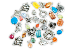 Charm's argentés avec anneau