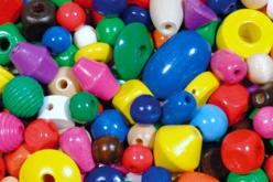 Set de perles en bois, tailles, formes et couleurs assorties - Perles en bois – 10doigts.fr