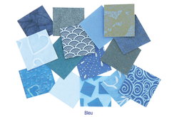 Set d'environ 140 papiers artisanaux indien en camaïeu bleu