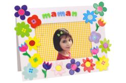 Cadre en carton blanc décoré avec des fleurs en carte forte