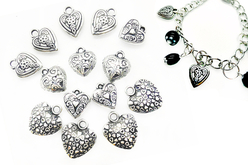 Perles char'ms cœurs argenté - 14 charm's - Perles intercalaires & charm's – 10doigts.fr