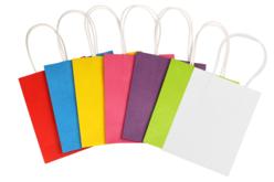 Sacs en kraft - blanc ou couleurs assorties - Papiers cadeaux – 10doigts.fr