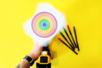 Dessiner des cercles colorés avec une visseuse - Activités enfantines – 10doigts.fr
