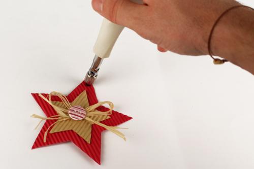 Etoiles de Noël en carton ondulé