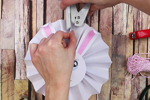 Lapin mignon en papier